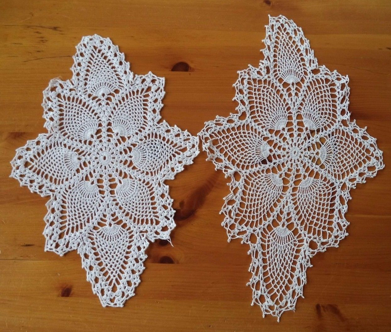 2 Pretty Vintage Hand Crocheted Pineapple Pattern Doilies