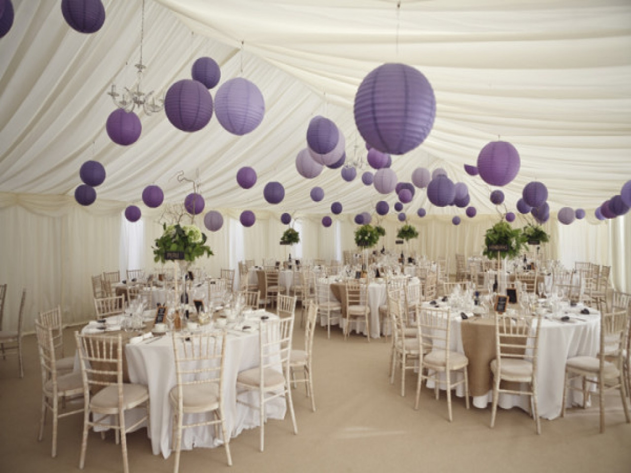 Decorating round tables purple and silver table