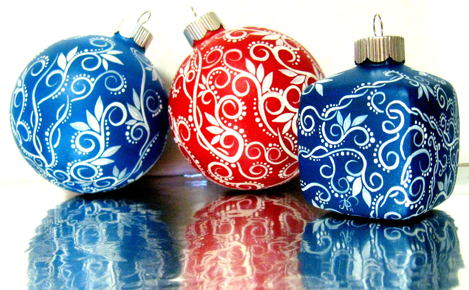 White Christmas ornaments Best Of Small Blue and White Christmas ornament Hand Painted Glass Of Attractive 44 Images White Christmas ornaments