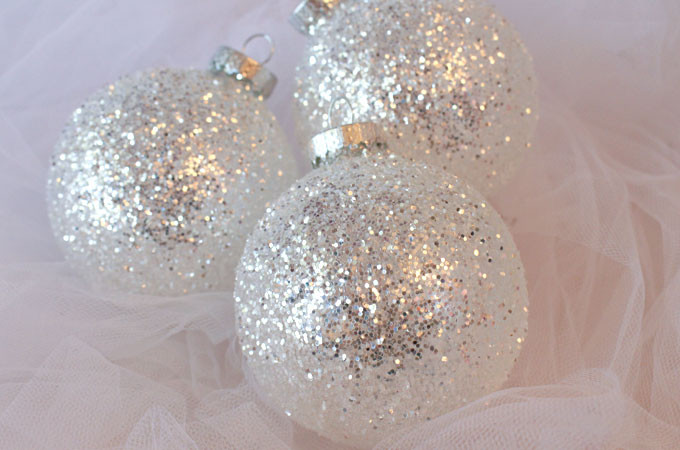 White Christmas ornaments Unique White & Silver Glitter Christmas Tree ornaments Two Sisters Of Attractive 44 Images White Christmas ornaments