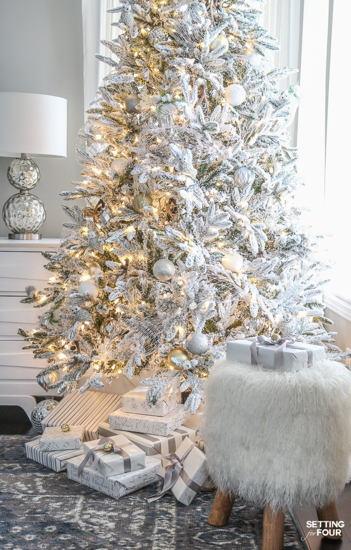 White Christmas Tree Balls Awesome Glam Gold and White Christmas Home tour & 30 Holiday Homes Of Awesome 48 Models White Christmas Tree Balls