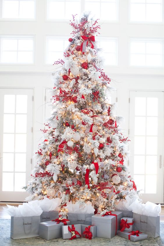 White Christmas Tree Balls Inspirational 26 Best Flocked Christmas Tree Décor Ideas Digsdigs Of Awesome 48 Models White Christmas Tree Balls